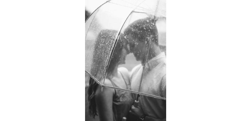 s'aimer sous la pluie
